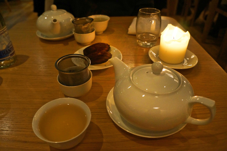 čaj od jasmina i petit four